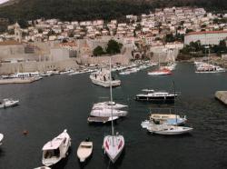 Paketi sa marihuanom plutaju u moru kod Dubrovnika