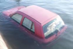 Izlila se iz korita: Trebišnjica u Dražin Dolu potopila dva auta