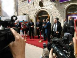 Dodik i Vučić otvorili Konzularnu kancelariju Srbije