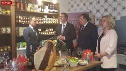 Predsjednik Vučić posjetio Hercegovačku kuću (FOTO)