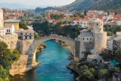 Vučić i Dodik obećali više od 170.000 evra pomoći mostarskim Srbima