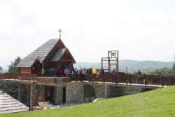 Nevesinje: Proslavljena krsna slava crkve na Vjenčacu  (FOTO)