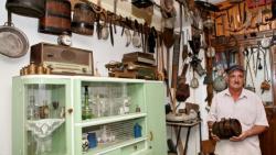 Neobičan hobi: Penzioner iz Trebinja prikupio više od 400 etnografskih eksponata, od kuće napravio mali muzej