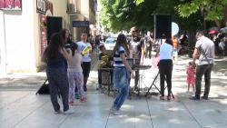 Srednjoškolci priredili performans za Sofiju