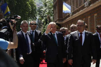 Erdogan u Sarajevu: Pristalice uzvikuju Alahu ekber