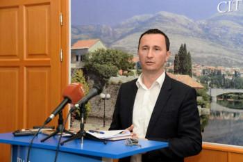 Ćurić: Migranti se ne mogu zadržavati u Trebinju