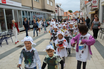 Невесиње: Мали сликари из вртића уљепшали град