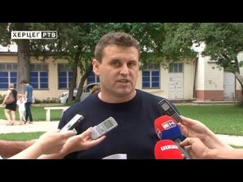 Heroj iz Trebinja: Policajac Dejan Antunović pomogao povrijeđenim u saobraćajnoj nesreći (VIDEO)