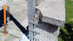 Može li bez ovoga: Postavljali putokaz i polomili kamenu ploču