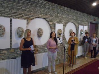 U  Gacku otvorena izložba 'Maske' vajarke Biljane Grubač