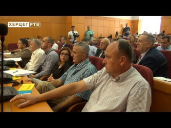 Opozicija bojkotuje rad skupštine zbog Dušana Kovača (VIDEO)