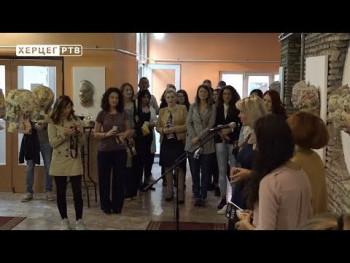 KC Gacko: Izložba 'Maske' vajarke Biljane Grubač (VIDEO)