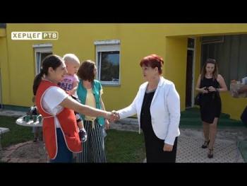 Davidovićeva posjetila dječiji vrtić u Gacku (VIDEO)