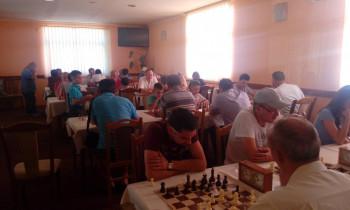 Deset ekipa na šahovskom turniru u Bileći (FOTO)
