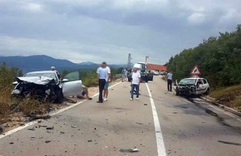 Tri lica povrijeđena u udesu na putu Trebinje-Bileća