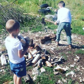 Beograđani Uroš i Vuk otišli u selo kod Trebinja na jedan dan, pa se zaljubili u prirodu