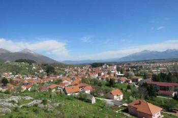 U opštini Nevesinje počelo nasipanje lokalnih puteva