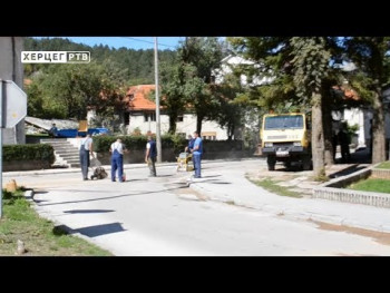U opštini Nevesinje počelo nasipanje lokalnih puteva (VIDEO)