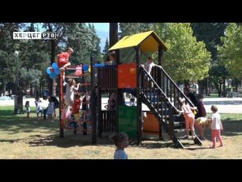 Novi kutak za najmlađe u Gradskom parku u Trebinju (VIDEO)
