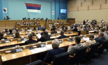 Poslanici jednoglasno odbacili Izvještaj Komisije za Srebrenicu