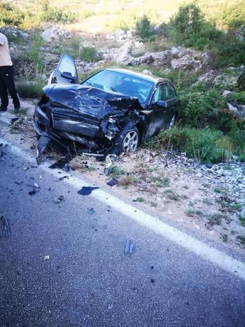 Zbog saobraćajne nezgode, zatvoren put prema Herceg-Novom
