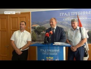 Grad Trebinje obezbijedio sveske za osnovce (VIDEO)