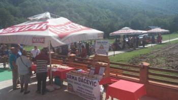 Сајам на Тјентишту: Туристи пробали специјалитете из Херцеговине, Средње Босне, Романије и Црне Горе