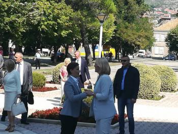 Delegacija Vlade Srbije dočekana u Trebinju (FOTO)
