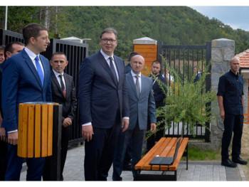 Vučić na Kosmetu: Gazivode presudne za opstanak Srba; Trnovit put do rješenja