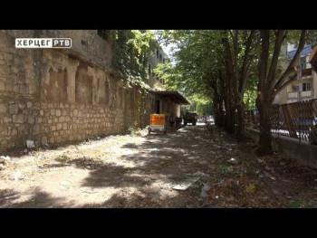 Počelo čišćenje prostora oko stare zgrade Novoteksa (VIDEO)