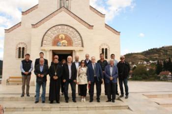 Donirana sredstva za zvono ispred Hrama u Andrićgradu