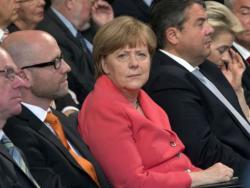 Merkel nervozna, Šojble razmišlja o ostavci