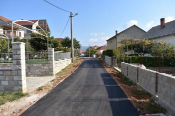 Trebinje: Nastavljeno asfaltiranje ulica (FOTO)