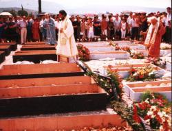 Prebilovci, 8. avgust – Patrijarh Irinej sa 20 vladika osveštava hram Vaskresenja