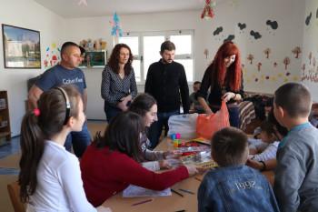 KUD 'Sava Vladislavić' Gacko: Pokloni za djecu udruženja 'Rastimo zajedno'