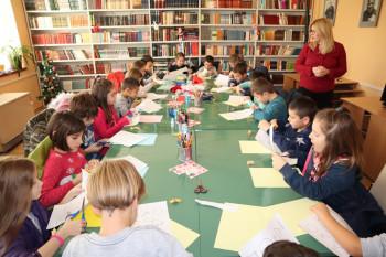 Gacko: Kreativna novogodišnja radionica u Narodnoj biblioteci (FOTO)