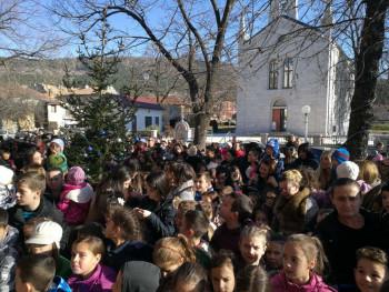 Bileća: 500 paketića za najmlađe (FOTO)