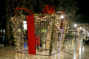 Sve spremno za doček Nove godine i koncert Dženana Lončarevića