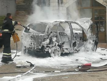 Trebinje: Izgorjelo vozilo