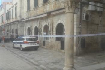 U stanu u Dubrovniku pronađene tri mrtve i jedna povrijeđena osoba