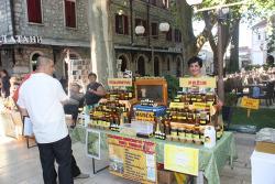 Otvoren sajam meda i vina u Trebinju