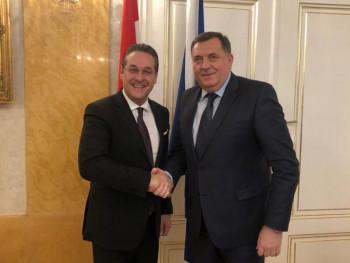 Dodik-Štrahe: Jačati odnose Austrije i Srpske