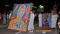 Требиње прославило Крсну славу: Препуне улице и тргови у најсвечанијој ноћи