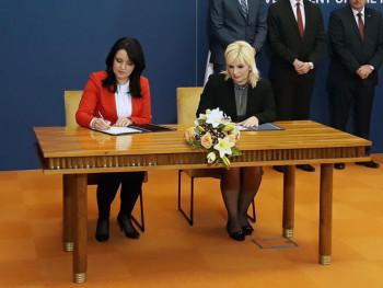 Potpisana četiri memoranduma i sporazuma o saradnji Srpske i Srbije (FOTO)