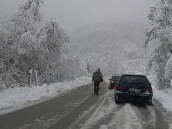 Zbog snijega teretna vozila ne saobraćaju preko Romanije