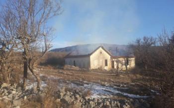 Ljubinje: Migranti zapalili staru seosku školu u selu Vlahovići