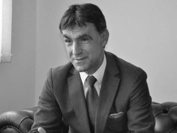 Преминуо Здравко Крсмановић