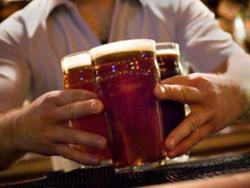 Popio litar piva za 3,94 sekunde