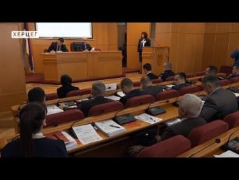Ćurić: 2018. obilježila radna atmosfera, realizovani kapitalni projekti i socijalni programi (VIDEO)