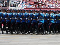 MARIŠIRALA I SRPSKA GARDA: Održana vojna parada u Pekingu (VIDEO)